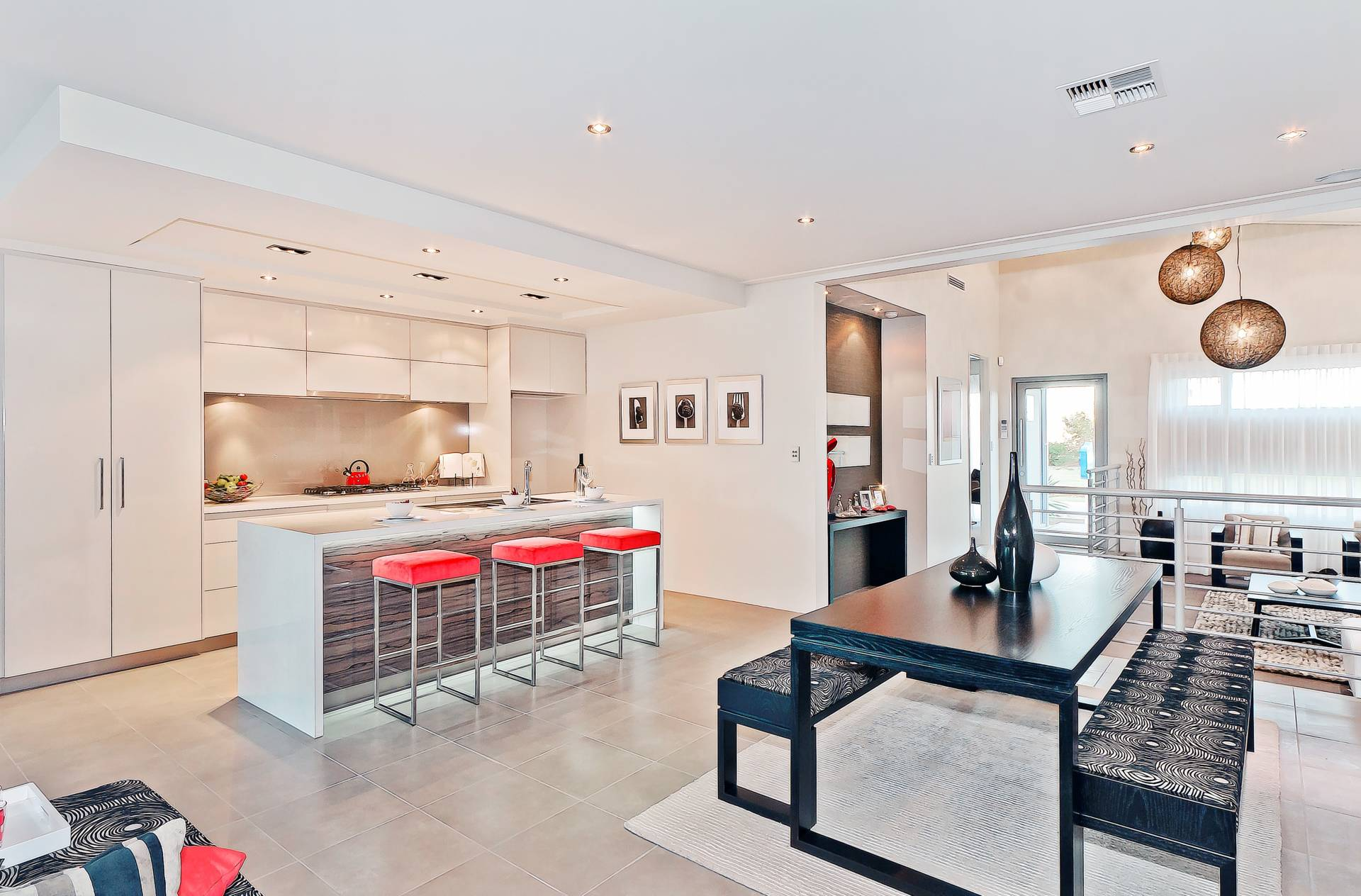 https://www.wowhomes.com.au/wp-content/uploads/2019/05/005-Open2view-ID172043-991-Broadway-Boulevard__Cropped.jpg